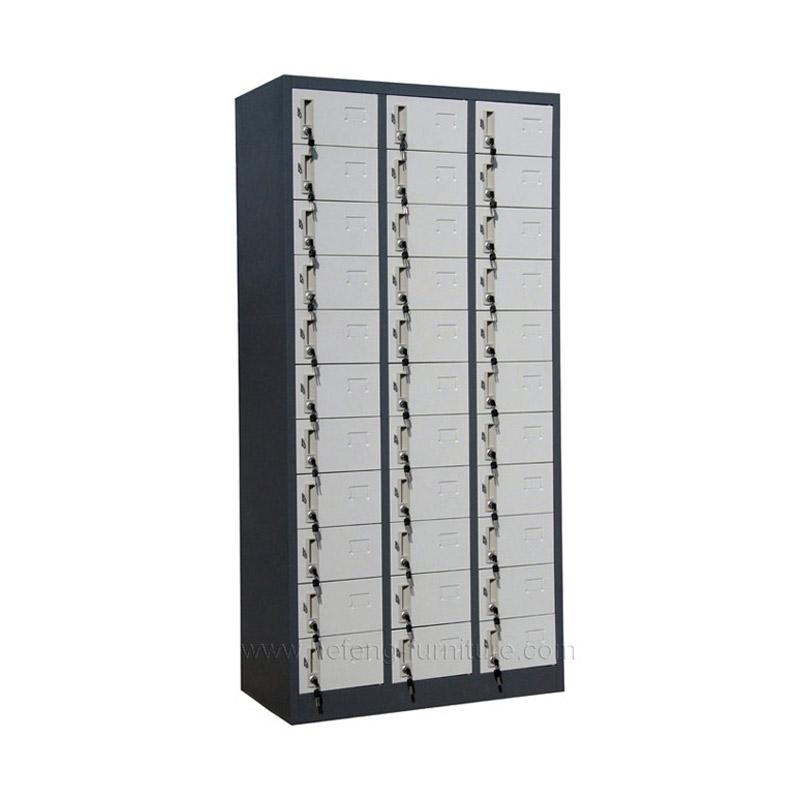 Locker Metalico de 33 Puertas