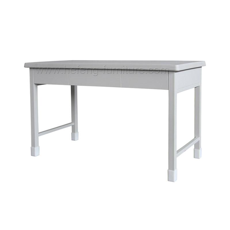 mesa de metal rectangular